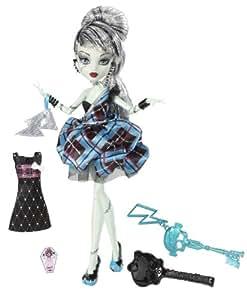 Monster High Toy - Sweet 1600 - Frankie Stein Deluxe Fashion Doll - Daughter of Frankenstein