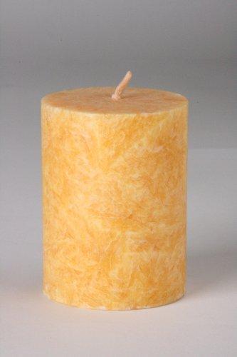 Vela natural cilíndrica pilar Amarilla. 5 Ø x 6,5 cm.