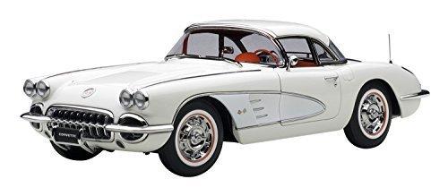 Preisvergleich Produktbild Autoart 71147 Chevrolet Corvette 1958 SNOWCREST Withe by AutoArt