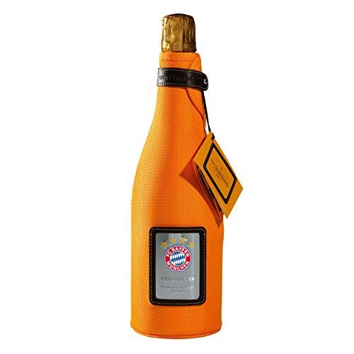 Preisvergleich Produktbild Veuve Clicquot Champagner + Ice Jacket FCB Edition FC Bayern München + gratis Sticker,  Sekt,  Wein,  Flasche
