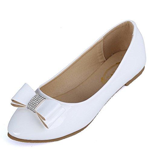 AalarDom Damen Ohne Absatz Ziehen Auf Pu Leder Weiches Material Flache Schuhe mit Schleife Weiß-Juwelen