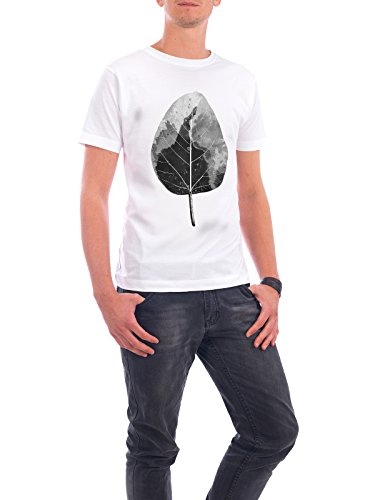 "Design T-Shirt Männer Continental Cotton ""Monochrome Leaf"" - stylisches Shirt Natur von Linsay Macdonald Weiß"