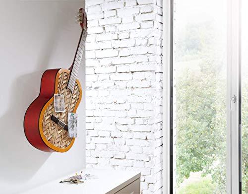 Pinnwand aus einer Gitarre