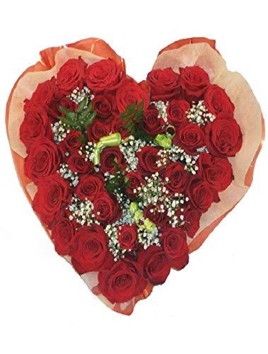 Corazón de seis rosas a domicilio hecho con rosas de alta calidad para asegurar su calidad y frescura. Envíos a toda España en 24 horas o en fecha señalada. Nota dedicatoria y gastos de envío incluidos en el precio.