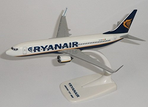 b737-800-ryanair-1-200-desk-top-model-mega-models