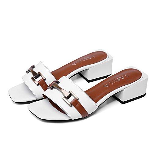 Europa und die vereinigten staaten retro-metall-schnalle sandalen/Leder quadratische kopf sandalen/In der rau mit einfachen schuhen B