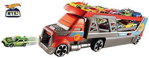 Hot Wheels CDJ19 Blasting Rig Transporter mit Platz für 14 Autos im 1:64 Maßstab, Spielzeug LKW inkl. 3 Spielzeugautos, ab 3 Jahren