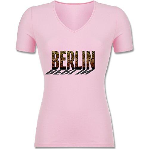 Shirtracer Städte - Berlin - Tailliertes T-Shirt mit V-Ausschnitt für Frauen Rosa