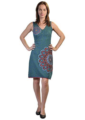 Mangas de las señoras vestido con modelos de la hoja y las páginas del bordado Mandala
