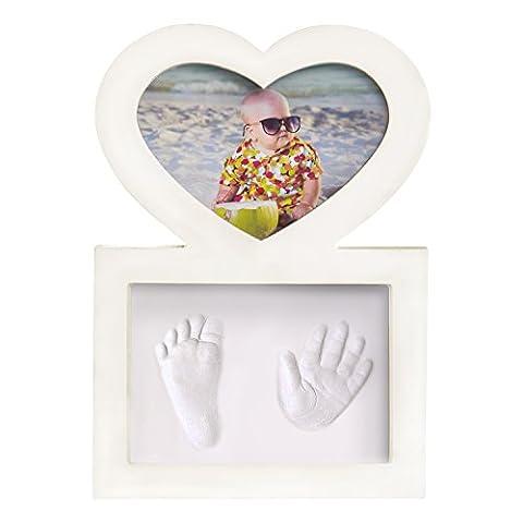Baby Hand- und Fußabdruck Set mit hochwertigem Herz-Bilderrahmen für Mädchen und Jungen - ideal als Geschenk zur Geburt, Babyparty oder Taufe - Einfach und sicher zu benutzen - einzigartige Erinnerung für Mama, Papa, Oma, Opa und die ganze Familie