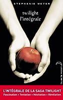 Inédit : le phénomène international vendu à des millions d'exemplaires enfin disponible en intégrale. Les quatre tomes de la saga Twilight - Fascination, Tentation, Hésitation, Révélation - réunis pour la première fois dans une compilation.