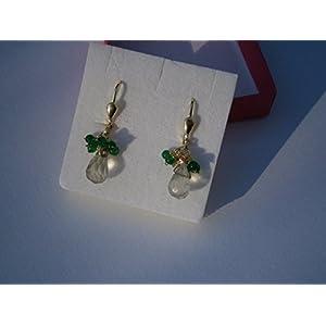 Ohrringe kleine Prasiolith Tropfen mintgrün facettiert mit Mini Achat Kugeln grün handmade vergoldet im Geschenk Etui Geburtstagsgeschenk