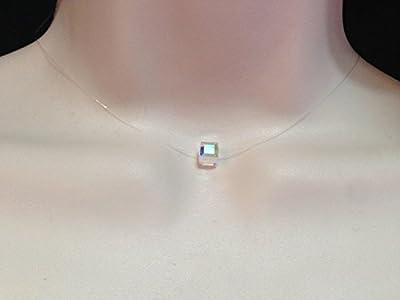 Collier ras du cou cube facetté cristal de swarovski cristal reflets fil de nylon transparent