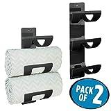 mDesign 2er-Set Handtuchhalter zur Wandmontage – Handtuchaufbewahrung mit drei Fächern – schicke Handtuchablage für Tücher aller Größen – schwarz