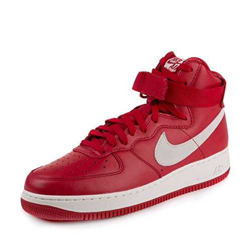 NIKE Herren Air Force 1 HI Retro QS Handballschuhe, Rot/Weiß (Gym Red/Summit White)
