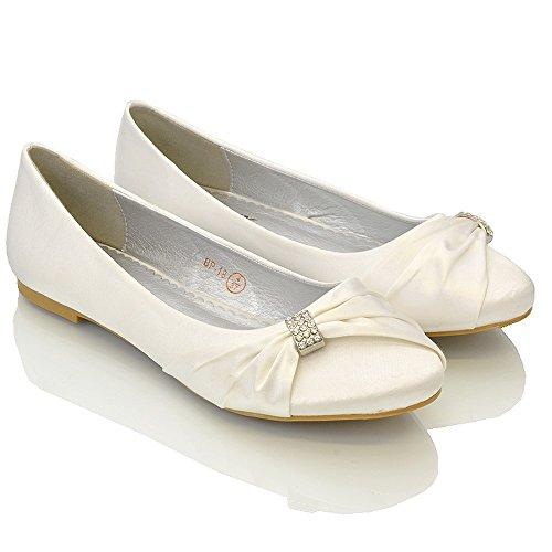 ESSEX GLAM Damen Brautschuhe Flach Satin Pumps Mit Brosche Hochzeit Schuhe (UK 9 / EU 42 / US 11, Weiß Satin)