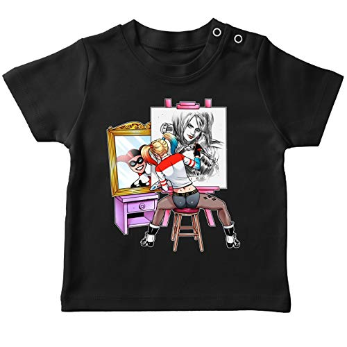 Batman - Suicide Squad Lustiges Schwarz Baby T-Shirt - Harley Quinn (Batman - Suicide Squad Parodie) (Ref:1109) (Harley Quinn Baby)