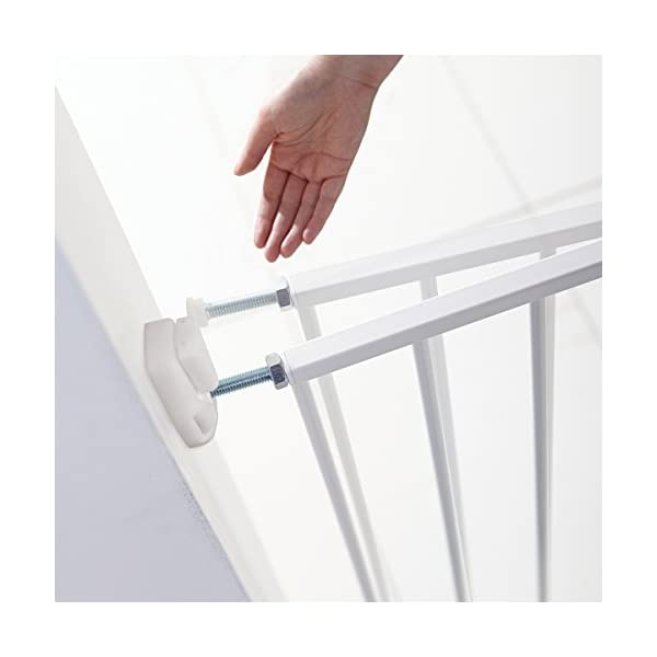 Munchkin Extending Metal Wall Fix Safety Gate, of Munchkin Top and bottom adjusters allow for quick and easy installation and width adjustments Extends to fit openings between 64.5cm and 102cm. no step over bar so is suitable for top and bottom of stairs. One way opening catch for use on top and bottom of stairs, two way opening catch for use in doorways 3
