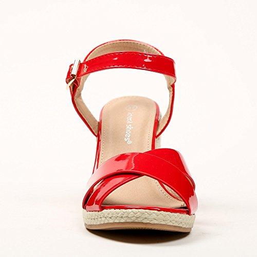 Ideal ShoesLaliaSandale Keilabsatz, Lack mit gekreuzten Riemen Rot
