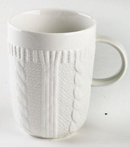 Becher / Mug aus Porzellan, weiß, in schicker Strickoptik, aus der Kollektion Pullover von TOGNANA. 350 ml. Volumen (Schicke Strickmuster)