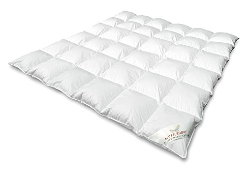 Klosterdorf Bettenmanufaktur Premium Ganzjahresdecke \'\'grazil\'\' | 200x200 cm | 920 Gramm | LEICHT | Handarbeit aus Deutschland | Daunendecke | Für einen gesunden Schlaf