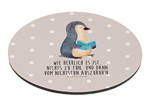 Preisvergleich Produktbild Mr. & Mrs. Panda Mauspad rund Pinguin Buch - 100% handmade in Norddeutschland - Pinguin, Pinguine, Buch, Lesen, Bücherwurm, Nichtstun, Faulenzen, Ferien, Urlaub, Freizeit, Mouse Pad rund, Mousepad, Computer, PC, Kreis, Mauspad, Maus, Geschenk, Druck, Schenken, Motiv, Arbeitszimmer, Arbeit, Büro