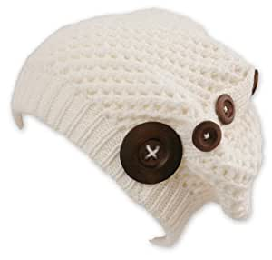 Long Beanie Cap Nelly White (Chillouts Collection) - Trendy Strickmütze mit Holzknöpfen, Material: 100% Acryl.