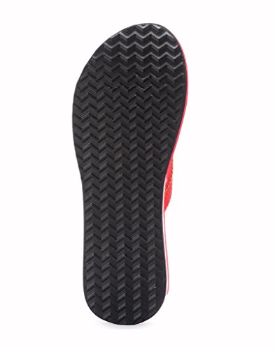 b04536bbd41046 Buy Frestol Women s Black Rubber Flip-Flops   House Slippers on Amazon
