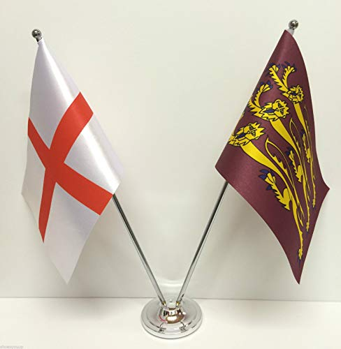Richards Satin (Flagmania® England & King Richard III Flaggen Chrom und Satin Tischflagge Set + 59 mm Button Badge)