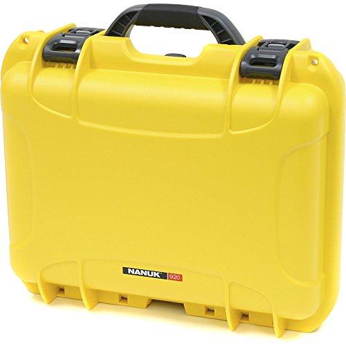 valigia-impermeabile-modello-920-antiurto-antipolvere-mm-424x340x173-giallo
