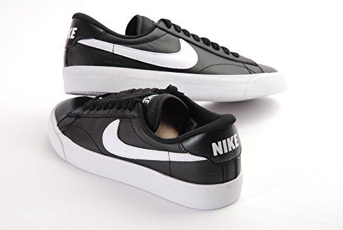 Nike - Wmns Tennis Classic Ac, Scarpe sportive Donna Nero (Nero / Bianco-Nero)
