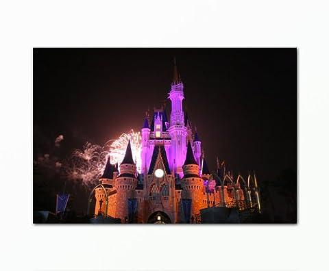 Wandbild-Disney-Tower (60x90cm). Bild auf Leinwand als Kunstdruck mit Rahmen aus Holz.(Fantasie Disneyland Schloß Türme Feuerwerk Nacht). 100% Made in Germany – Qualität aus Deutschland.