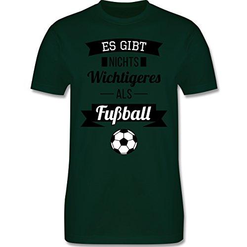 Fußball - Es gibt nichts Wichtigeres als Fußball - Herren Premium T-Shirt Dunkelgrün