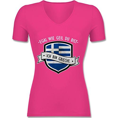 Shirtracer Länder - Egal wie Geil Du BIST - Ich Bin Grieche - Tailliertes T-Shirt mit V-Ausschnitt für Frauen Fuchsia