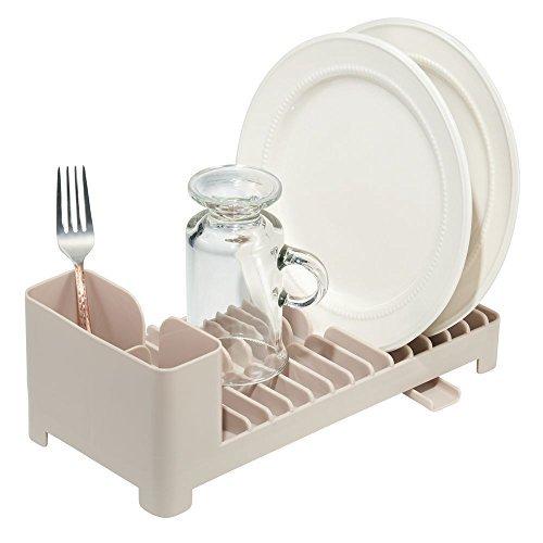 mDesign Práctico escurridor de platos con escurrecubiertos – Compacto escurreplatos de plástico para fregadero – Escurre y seca vajilla, cubiertos y utensilios de cocina – beis topo