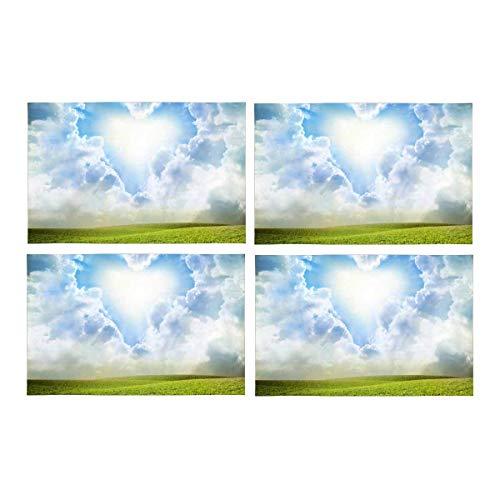 ünes Gras unter blauem Himmel mit Herz-Wolken-Schicht-Platz-Matten Hitzebeständige Tischsets Flecken-beständige Rutschfeste waschbare Gewebe-Tischset-Tischsets , Satz von 6 ()