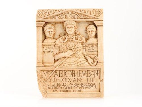 Marcus Caelius archäologischer Relief-Stein des Centurio der LEG XVIII - Forum Traiani - Zenturio der römischen Armee als Relief Wandbild