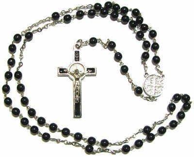rosario-perle-tonalita-argento-con-vetro-nero-riproduzione-tema-san-benedetto