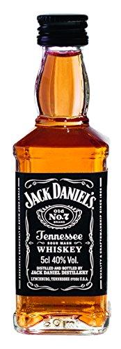 Jack Daniel\'s Old No.7 Tennessee Whiskey - 40{4d94623095d58032d76babad5cd2e9f8ce7911d49dd0bcfe5ebdef92df8e8cb0} Vol. (10 x 0.05 l) / Durch Holzkohle gefiltert. Tropfen für Tropfen