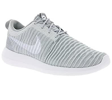 competitive price 3d8a3 bca4e ... Nike Men s Roshe Two Flyknit, Wolf Grey White-Stadium Green, 10. 5 M US