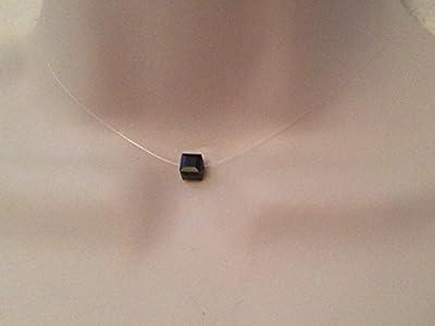 Collier ras du cou cube facetté cristal de swarovski noir fil de nylon transparent