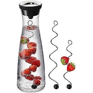 WMF Basic Wasserkaraffe Set 3-teilig, Karaffe 1l mit 2 Fruchtspieße (18 und 24 cm), Glas, Höhe 30,2 cm, Glaskaraffe mit Deckel, Silikondeckel, CloseUp-Verschluss