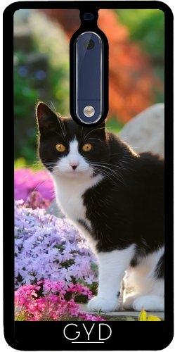 SilikonHülle für Samsung Nokia 5 - Tuxedo-Katze In Einer Blumengarten by Katho Menden