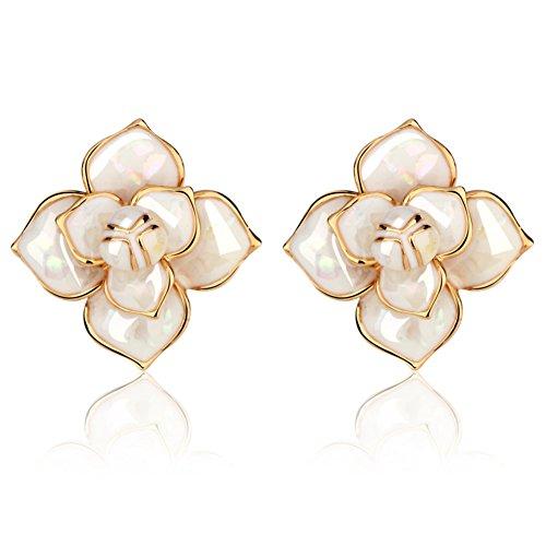 mode-elegants-camellia-boucles-doreilles-fleur-de-nacre-boucles-doreilles-a