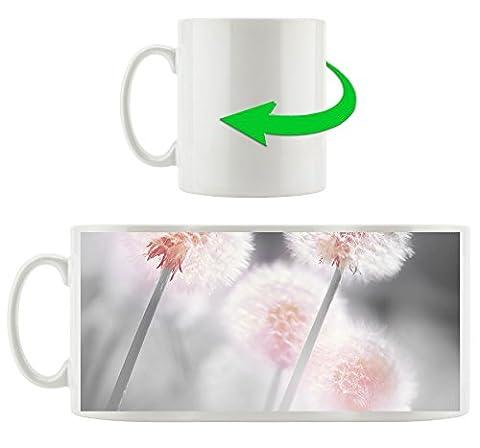 Pusteblumen im morgendlichen Wind B&W Detail, Motivtasse aus weißem Keramik 300ml, Tolle Geschenkidee zu jedem Anlass. Ihr neuer Lieblingsbecher für Kaffe, Tee und Heißgetränke