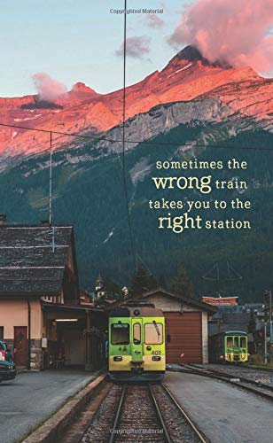 Sometimes the Wrong Train Takes You to the Right Station: 2019-2020 Monthly Pocket Planner | Switzerland por Travelopi Books
