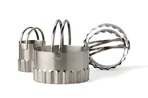 RSVP Round BISCUIT/COOKIE CUTTERS Set of 4 Nesting Rippled Edges Stainless Steel Fluted Pastry Cutter