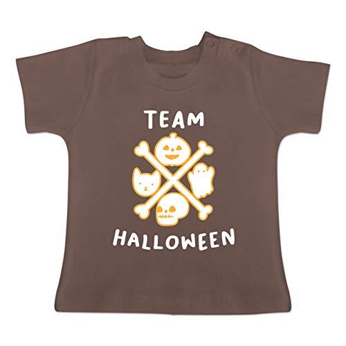 Anlässe Baby - Team Halloween - 18-24 Monate - Braun - BZ02 - Baby T-Shirt Kurzarm (Ideen Für 2019 Die Halloween-kostüme Originelle)