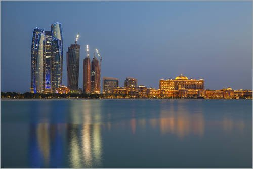 Acrylglasbild 180 x 120 cm: City skyline looking towards the Emirates Palace Hotel and Etihad Towers, Abu Dhabi, United Arab Emi von Jane Sweeney / Robert Harding - Wandbild, Acryl Glasbild, Druck ...