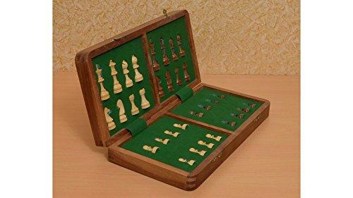 Serie di corsa pieghevole scacchi magnetici Situato